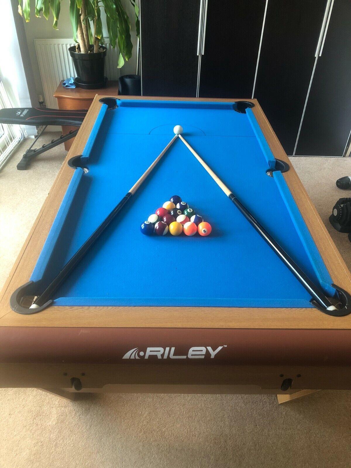 RILEYS FOLDING SNOOKER / POOL TABLE 6FT