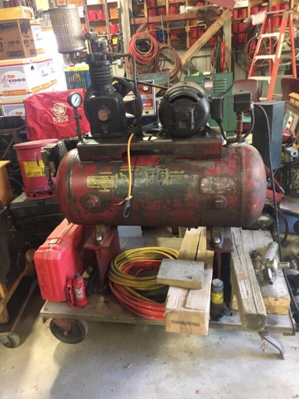 Pnuematic compressor