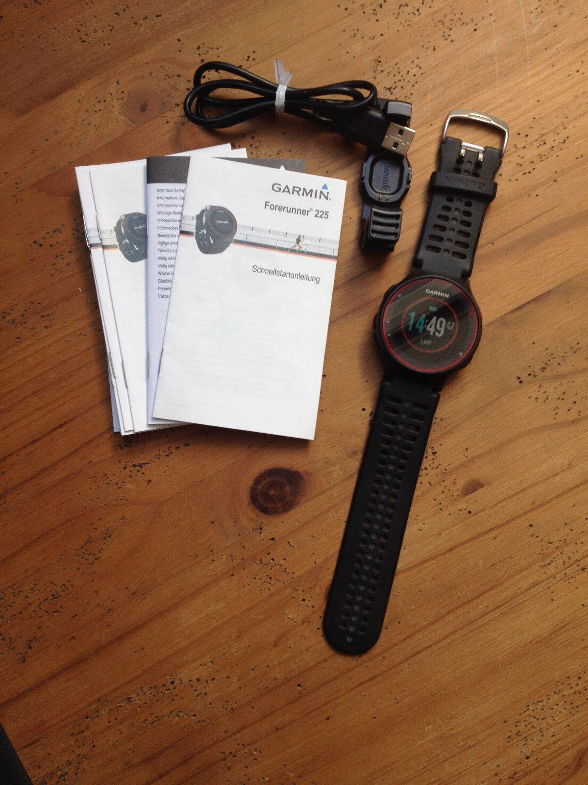 Garmin Forerunner 225 - GPS Laufuhr, Pulsmessung am Handgelenk