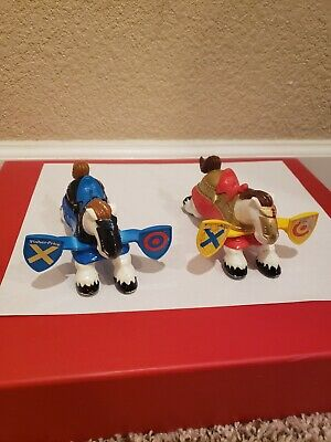 Imaginext Fisher Price Great Adventures JOUSTING HORSES RED & BLUE KNIGHT CASTLE