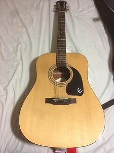 ACOUSTIC EPIPHONE DR-100 // INCLUDING CASE