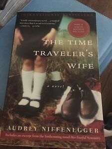 The time travellers wife Audrey Niffenegger  paperback