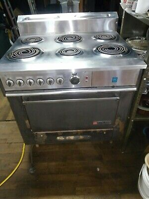 Garland Commercial Electric Range 6 Burner Stove Top Wovenbroiler. Restaurant