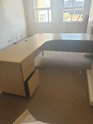 Corner office desk with drawers