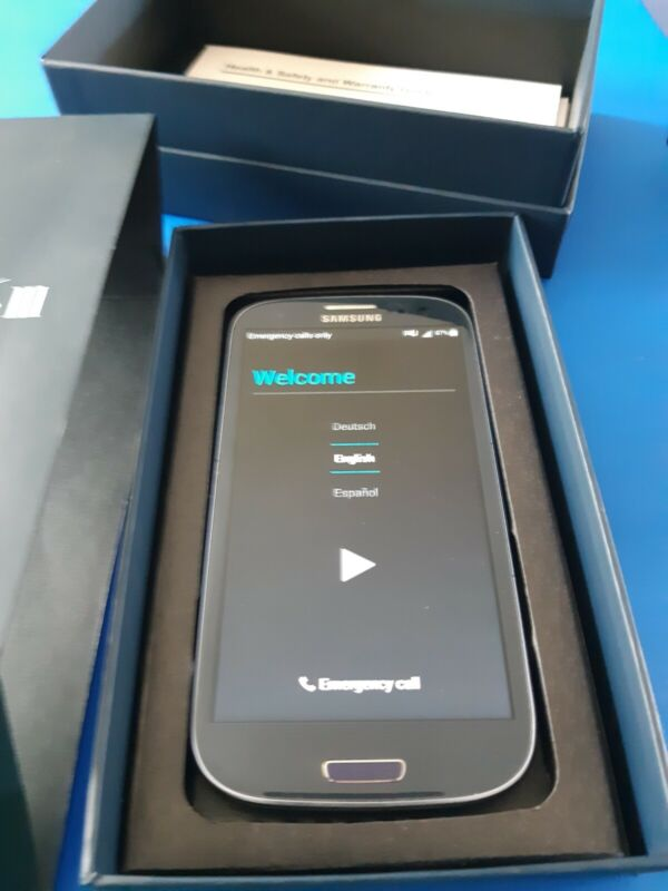 Samsung Galaxy S3 16GB  Blue AT&T Locked With box and charger