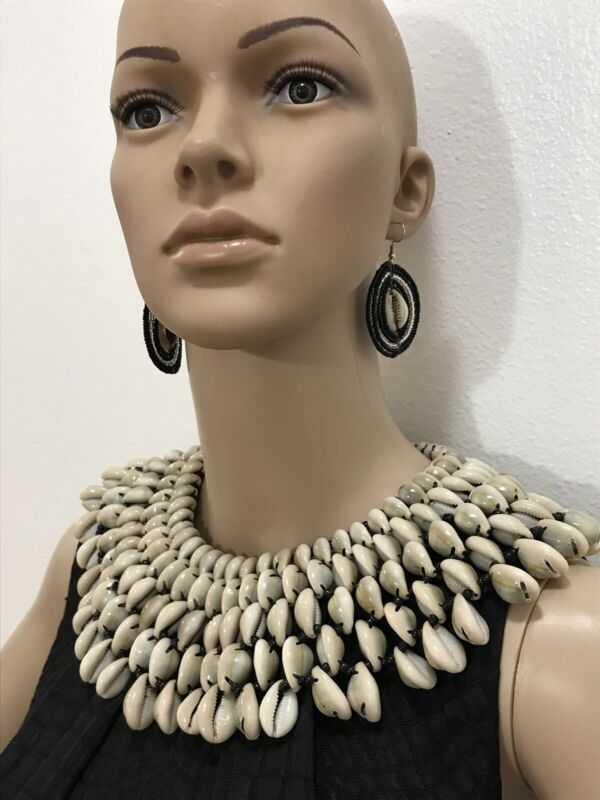 Cowrie Necklace. Tribal Necklace.  Chunky  Necklace. African Necklace. Gift