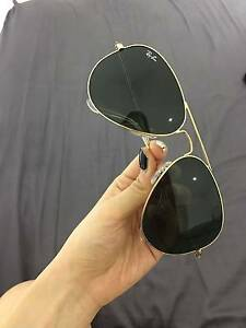 Authentic Ray-Ban Aviator 58mm Gold Frames Green Lenses Sunglasse Lissner Charters Towers Area Preview