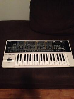 Roland GAIA SH-01 synthesiser ****PRICE DROP ! ! !*** Wilson Canning Area Preview
