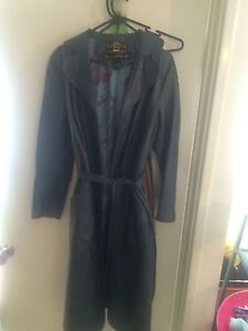 Gorgeous vintage soft leather trench coat Balcatta Stirling Area Preview
