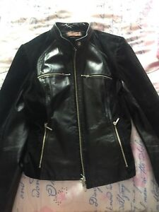 Danier leather jacket in xs