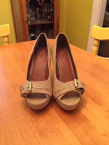Classy peep toe shoes! Make an offer!