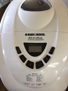 VENDU Machine à pain black& decker