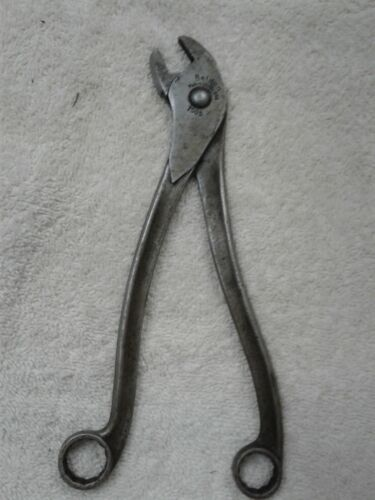 BELDEN VINTAGE AUTOMOTIVE BATTERY PLIERS WITH BOX END WRENCHES ON HANDLES #7505