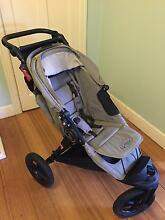 Baby jogger Elite pram and bassinet Flora Hill Bendigo City Preview