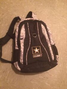 US Army backpack (tons of space and pockets)