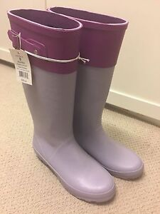 Adorable Ladies Lilac Wellies- Size 8