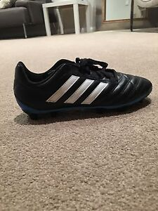 Adidas soccer/football boots (size 6 US) Highbury Tea Tree Gully Area Preview