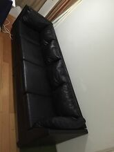 EXCELLENT BLACK LEATHER LOUNGE. NO EMAIL TEXT ONLY Chatswood Willoughby Area Preview