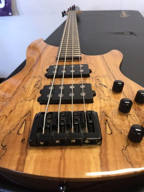 Laguna Bass LB524 4 STRINGS W/CASE