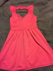 Pink heart peekaboo dress - Size L