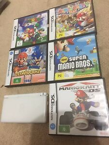 Nintendo DS Lite and Mario games bundle Pooraka Salisbury Area Preview