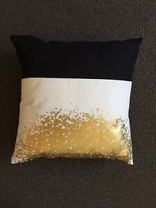 Black white and gold cushion Ramsgate Beach Rockdale Area Preview