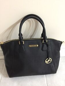 Brand new Michael Kors Campbell tote bag with crossbody strap