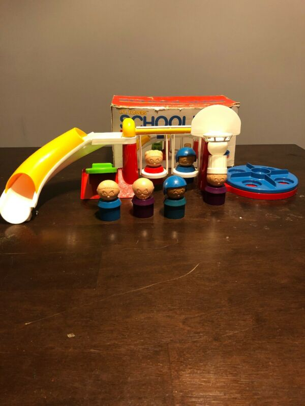 Vintage 1989 Lil Tuppers School Yard Tupperware Plastic Toy with extras