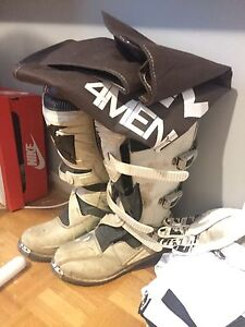 Size 10 motocross / dirt bike Thor boots 7/10 condition