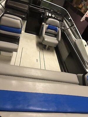 Formula Boat Thunderbird 223 242 SS Cockpit seats interior complete. Performance