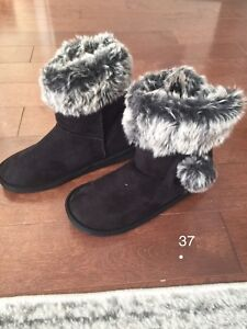 Brand new - Ugg lookalike black boots - size 37