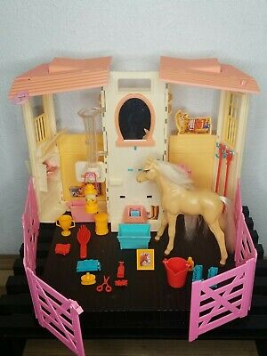 Vintage BARBIE Styling Stable & Baby Horse Playset Toy Pony 2002 w/ Accesories