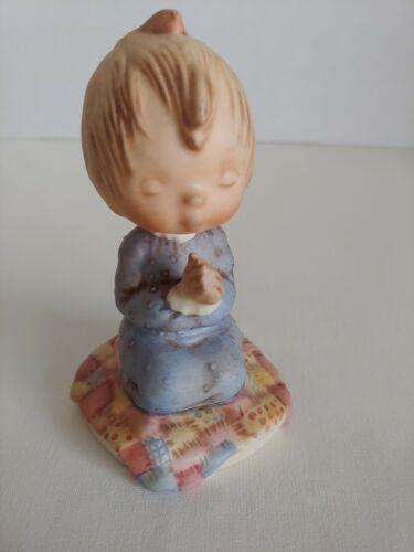 "1972 Hallmark Goebel ""Bless You"" Praying Child on Quilt Betsey Clark Figurine"