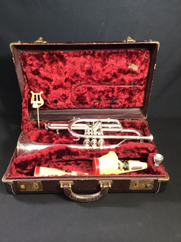 KING Cornet SILVERTONE  with hard case 2 mouthpieces.