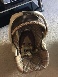 BABY CAR SEAT  TWO PIECES