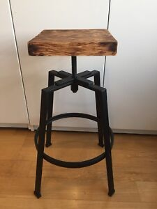 1 ADJUSTABLE HEIGHT RECLAIMED WOOD BAR STOOL KITCHEN ISLAND