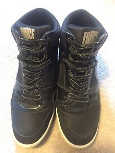 BLACK AIR FORCE NIKE WOMAN - SIZE 10