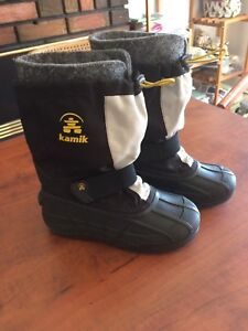 Kamik size 2 winter boots