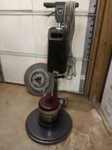 """MINUTEMAN PRE-OWNED 20"""" 1.5 HP FLOOR MACHINE with TANK & PAD DRIVER #FR20115"""