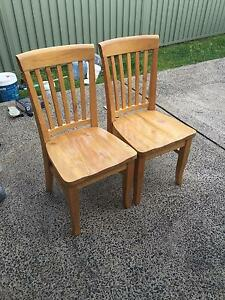 6x Dining Room Chairs with Free Dining Table Bateau Bay Wyong Area Preview