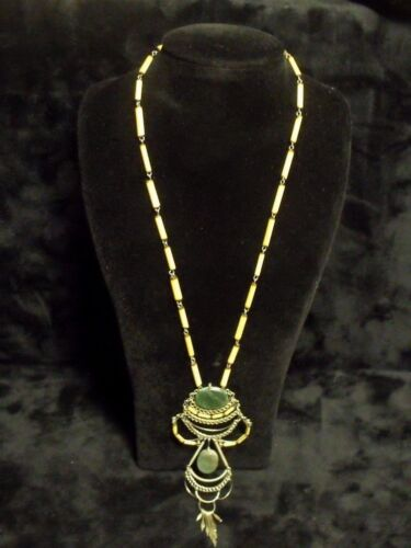 ANTIQUE TRIBAL BAMBOO AND JADE AMULET PENDANT NECKLACE