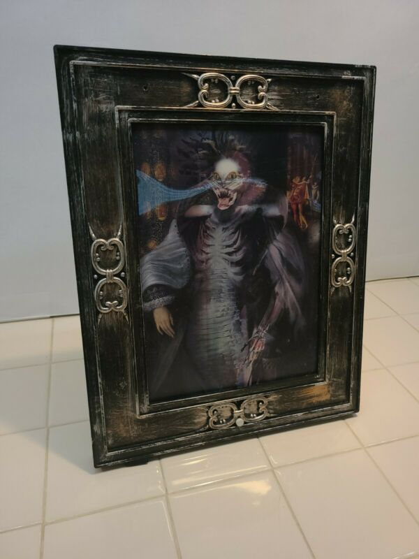 Halloween Gemmy Picture Frame Portrait Talking Changing Face Woman Red Eyes