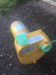 NEW PRICE!!!    Little Giant Waterpumps BE-S50