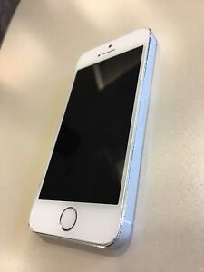 iPhone 5S in silver 16g