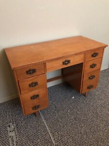 Desk for sale in Lacombe! needs too go ASAP:)