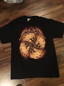 Men's large Metallica T Shirt