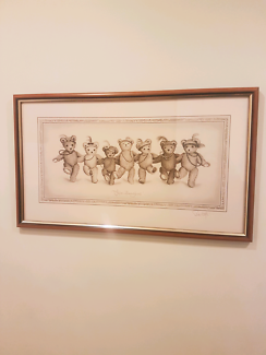 Dancing teddy bear picture in frame