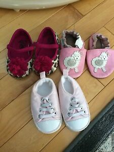 Baby girls shoes size 2