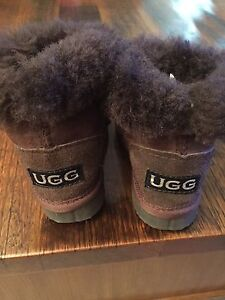 Genuine toddler Ugg boots (size 7) North Beach Stirling Area Preview
