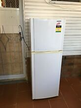 Samsung 244 L frost free fridge freezer Bexley Rockdale Area Preview